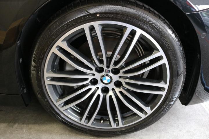 5シリーズツーリングのタイヤ&ホイール洗浄後