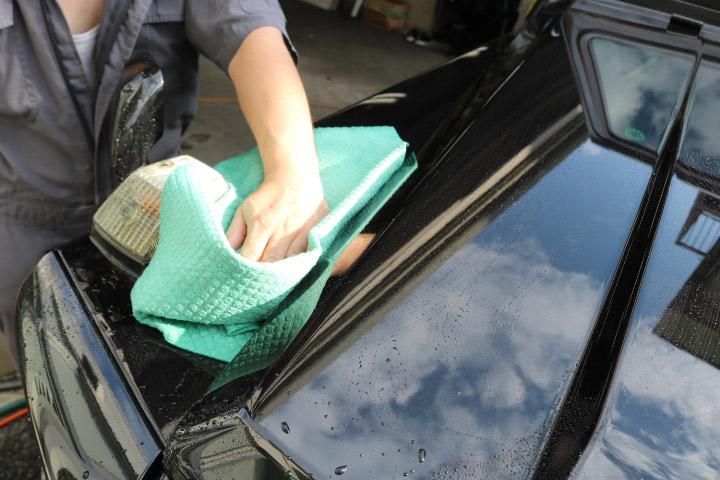 洗車拭き上げ